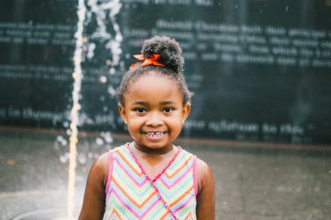 young-girl-bicentennial-fountain-nashville