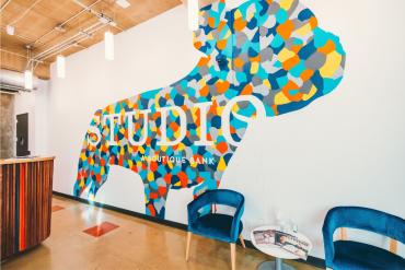studio-bank-mural